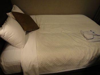 005_ベッド.jpg